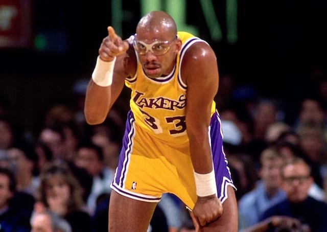 this day in lakers history kareem abdul jabbar sets