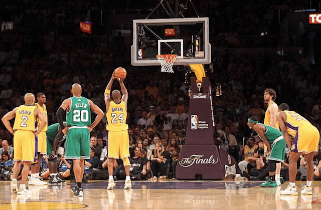 Kobe Bryant Names 2009 10 Lakers Roster As Favorite Collection Of